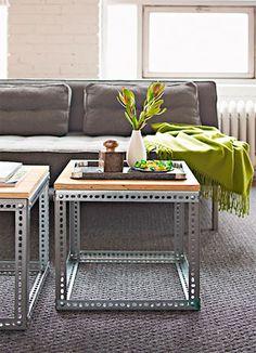 Mesas de metal com tampo de madeira com estilo moderno, para canto ou centro                                                                                                                                                                                 Mais