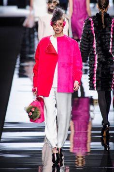Milan Fashion Week: Fendi | Spazi di Lusso  http://www.spazidilusso.it/milan-fashion-week-fendi/