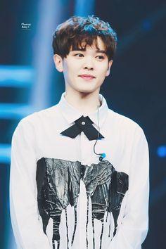You ZhangJing | Idol Producer Produce 101, Jing Jing, Reality Shows, Korean People, Percents, Chinese Boy, Sea Wallpaper, Attractive People, Kpop Boy