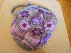 Crochet African Flower bag Free Pattern on Ravelry by Maeisart