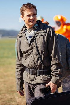 Jeremy Renner - Ian Donnelly - Arrival
