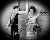 """Buster Keaton y Sybil Seely en ""Una Semana"" (One Week), 1920 "" Charlie Chaplin, True Love Meme, Classic Hollywood, Old Hollywood, Hollywood Images, Buster Keaton, Silent Comedy, A Comics, Silent Film Stars"