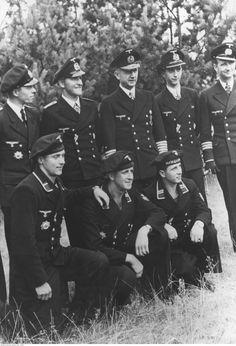 ■ Desde la derecha de la foto: Fritz Frauenheim, Alfred Vetter, Karl Dönitz y Herbert Berrer - 1944.