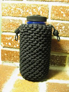 Stormdrane 39 s blog half hitched paracord water bottle for Paracord koozie how to make
