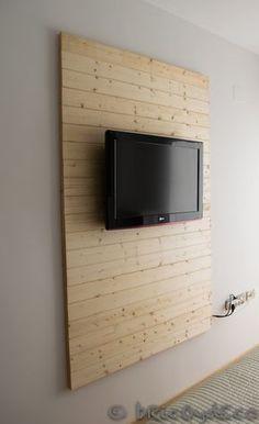 Paso a paso para hacer un panel de madera y ocultar los cables del televisor en www.bricoydeco.com