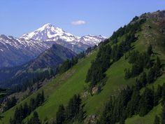 Glacier Peak from Poe Mountain, Glacier Peak Wilderness (Photo by Phil West)