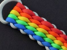 How to make a 12 strand wide round braid paracord key fob by tiat 20 quot; Paracord Tutorial, Macrame Tutorial, Bracelet Tutorial, Paracord Ideas, Paracord Belt, Paracord Braids, Paracord Bracelets, How To Braid Paracord, Paracord Dog Leash