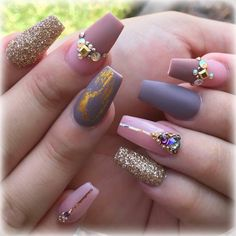 This series deals with many common and very painful conditions, which can spoil the appearance of your nails. But for you, nail technicians, this is not a problem! SPLIT NAILS What is it about ? Nails are composed of several… Continue Reading → Mauve Nails, Glitter Nails, Split Nails, Bright Red Nails, Natural Gel Nails, Damaged Nails, Christmas Manicure, Healthy Nails, Artificial Nails