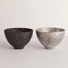 Japanese simplicity - coming to the store this summer ・・・ Simplicity Is Beauty, Kitchenware, Tableware, Principles Of Design, Modern Ceramics, Japan Art, Tea Bowls, Earthenware, Glaze