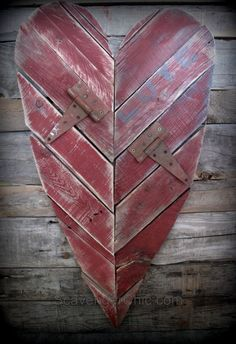 Reclaimed pallet valentines day heart...simple and rustic DIY project made by Scavenger Chic | Featured by anderson + grant at Your Turn to Shine Link Party