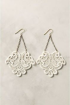DIY Project: Anthropologie Inspired Lace Earrings - Pretty in the Desert Lace Jewelry, Jewelry Crafts, Jewelry Accessories, Jewelry Design, Craft Jewellery, Jewellery Shops, Diy Earrings, Crochet Earrings, Jewellery Earrings