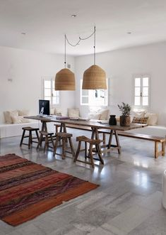 """today in our weekly signature """"Industrial Talks"""" we're going to show you how to create an industrial dining room with a timeless design. Stil Inspiration, Interior Inspiration, Design Jobs, Industrial Dining, Industrial Industry, Style At Home, Home Fashion, Living Spaces, Dining Table"""
