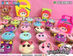 😍🎉 ¡Tu fiesta de Distroller será la mejor de todas con nuestros productos personalizados, muy vistosos y con gran sabor! 😋✨ Cupcakes, Bolsa, Lonchera, Vela para pastel y Caja para Palomitas¡Haz tus pedidos HOY! 😉 🔵 Cotiza en línea en 👉 www.facebook.com/yupicakes 👈 o vía WhatsApp al ☎ 5518206511 🔵 ENTREGAMOS EN TODA LA CDMX 🔵 #Yupicakes #CDMX #Fiesta #Cupcakes #Bolsa #Lonchera #VelaParaPastel #CajaParaPalomitas #Distroller #Chamoy #Ksimeritos #Mango #Tinga #Mole #ChicoZapote Mole, Cupcakes, Birthday, Desserts, Food Cakes, Pastries, Boxes, Parties, Tailgate Desserts