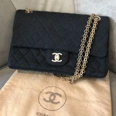 Sac Chanel noir en tissu Timeless, datant des années 80. En parfait état. e16036fbc1c