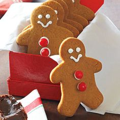 Learn how easy it is to make fun and festive gingerbread men for the holidays.