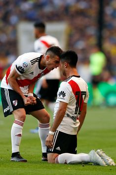 BUENOS AIRES, ARGENTINA - SEPTEMBER 23: Gonzalo Martinez (R) of River Plate celebrates after scoring the opening goal with teammate Rafael Santos Borre during a match between Boca Juniors and River Plate as part of Superliga 2018/19 at Estadio Alberto J. Armando on September 23, 2018 in Buenos Aires, Argentina. (Photo by Gustavo Ortiz/Jam Media/Getty Images)