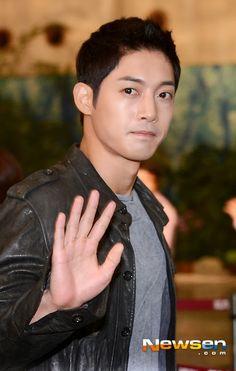 Kim Hyun Joong ♡ departing Gimpo airport for Korean Entertainment 10th anniversary award in Japan