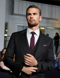 Theo James at the Divergent premiere