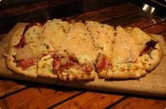 Reuben Flatbread Pizza. Watch & learn on how2heroes.com