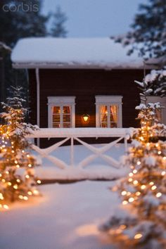 🌟Tante S!fr@ loves this📌🌟Warm white fairy lights to surround a snowy cabin - the ultimate Christmas scene. Swedish Christmas, Christmas Mood, Noel Christmas, Merry Little Christmas, Country Christmas, All Things Christmas, Christmas Lights, Christmas Decorations, Cabin Christmas