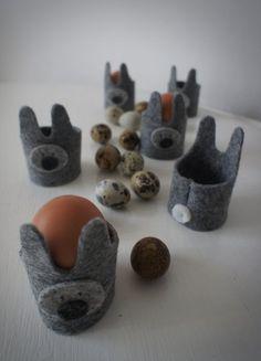 Filcowe pojemniki na jajka w formie zająca / Felt egg holders