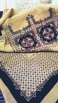 Cross Stitch Embroidery, Cross Stitch Patterns, Cross Stitch, Rugs, Punto De Cruz, Dots, Pattern, Counted Cross Stitch Patterns, Punch Needle Patterns