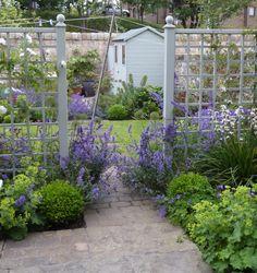 Warriston garden Edinburgh - Goose Green Design.