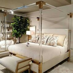 Acrylic and brass four poster bed! More - Bedroom Design Ideas Master Bedroom Design, Home Decor Bedroom, Acrylic Furniture, Lucite Furniture, Dreams Beds, Dream Rooms, Beautiful Bedrooms, Furniture Design, House Design