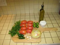 how to make salsa Ingredients How To Make Salsa, Side Dishes, Veggies, Yummy Food, Snacks, Gardening, Planting, Dinner