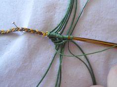 ΦΘΙΝΟΠΩΡΙΝΑ ΦΥΛΛΑ | kentise Macrame Necklace, Bracelets, Stud Earrings, Macrame Bracelet Tutorial, Bracelet, Arm Bracelets, Bangle, Bangles, Anklets