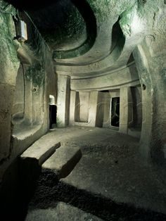 Hypogeum, Hal Saflieni, Unesco World Heritage Site, Malta. Just booked it for May never made it there last time, cant wait to see it! sure does book months in advance. Malta Island, Ancient Ruins, Ancient History, Saint Jean, Ancient Architecture, Ancient Buildings, Ancient Civilizations, Beautiful Islands, Historical Sites