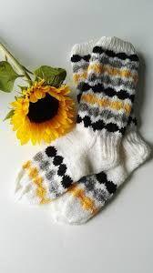 Image result for karhu villasukat ohje Fair Isle Knitting, Knitting Socks, Baby Knitting, Knitted Hats, Main Image, Wool Socks, Diy Clothing, Crafts To Do, Handicraft