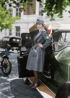 Une conductrice de la Croix Rouge en 1917.