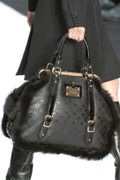 Large black leather Louis Vuitton bag w/ fur trim