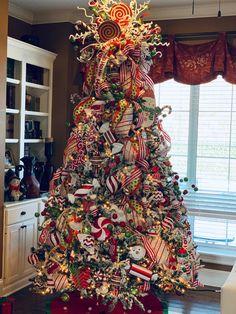 Whimsical Christmas tree Whimsical Christmas Trees, Christmas Tree Decorations, Holiday Decor, Christmas Tree Inspiration, Home Decor, Decoration Home, Room Decor, Home Interior Design, Home Decoration