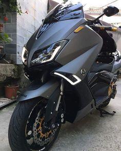 Tmax Yamaha, Yamaha R6, Yamaha Motorcycles, Cars And Motorcycles, Yamaha Scooter, T Max 530, Best Mountain Bikes, Xmax, Motosport