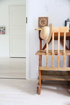 hunajaista lastenhuone sisustusblogi koti home Koti, Chair, Furniture, Home Decor, Decoration Home, Room Decor, Home Furnishings, Stool, Home Interior Design