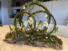 Contemporary Flower Arrangements, Deco Floral, Diy Easter Decorations, Table Flowers, Decor Crafts, Centerpieces, Bouquet, Wreaths, Garden