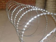 TO-22 NATO Razor Wire 100 m galvanised Steel Barb Fence Security protect garden
