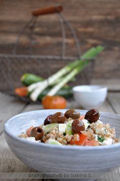 Due bionde in cucina: Insalata greca con farro e olio extravergine d'oliva Agrinatura Giancarlo Ceci