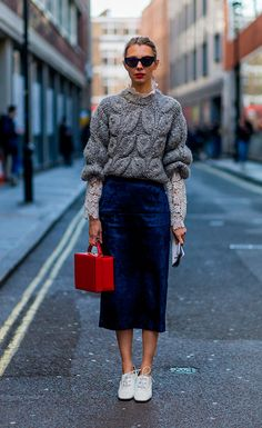 The best street style looks from London Fashion Week autumn/winter 2016 (Top Moda Shoes) Looks Street Style, Looks Style, Style Me, London Fashion Weeks, Mode Chic, Mode Style, Look Fashion, Womens Fashion, Fashion Trends