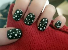 Dots! And glitter. Perfect combination!