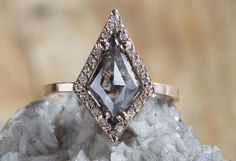 NATURAL ROSE CUT BLACK GEOMETRIC DIAMOND RING WITH PAVÉ HALO  :: Alexis Russell
