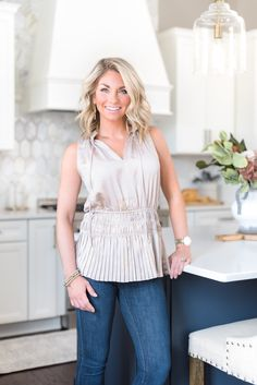You won't believe the 'before' of this magazine-worthy blue and white kitchen! Waxhaw, NC based Interior Designer Sara Lynn Brennan turned 'builder basic' into 'Showhouse Showcase' Charlotte North Carolina, North Carolina Homes, Charlotte Nc, Interior S, Interior Design Kitchen, Transitional Style, Transitional Kitchen, Kitchen Layout, Kitchen Ideas