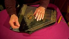 """Ma Liberté"" played on a zither"
