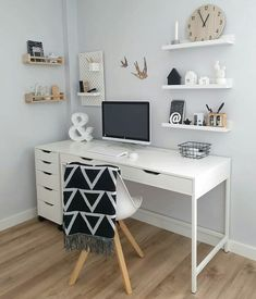 shoe organization When you dont know which one to crop. Head or shoes Wearing sundaysthelabel Home Office Space, Home Office Design, Home Office Decor, Office Desk, Ikea Office, Study Room Decor, Cute Room Decor, Teen Study Room, Cheap Room Decor