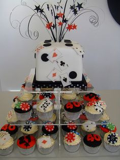 Casino Royale Not a dice though. Las Vegas Party, Vegas Theme, Casino Night Party, Casino Theme Parties, Casino Royale, Cupcakes, Cupcake Cakes, Casino Themed Centerpieces, Vegas Cake