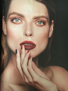 Harper's Bazaar Polska październik 2016 make up by Marianna Yurkiewicz Chanel Le Rouge no 1 fw2016 model Aga Gołębiewska