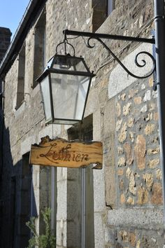 #Villedieulespoeles #Villageetape #enseignecommerciale #artisan #Bassenormandie