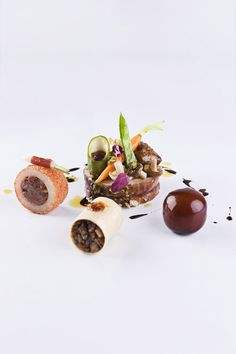 Bocuse D´Or 2011 - Spain by Alfonso Acedo, via Behance Food Photography Styling, Food Styling, Bocuse Dor, Chefs, Michelin Star Food, Modernist Cuisine, Western Food, Food Garnishes, Everyday Food